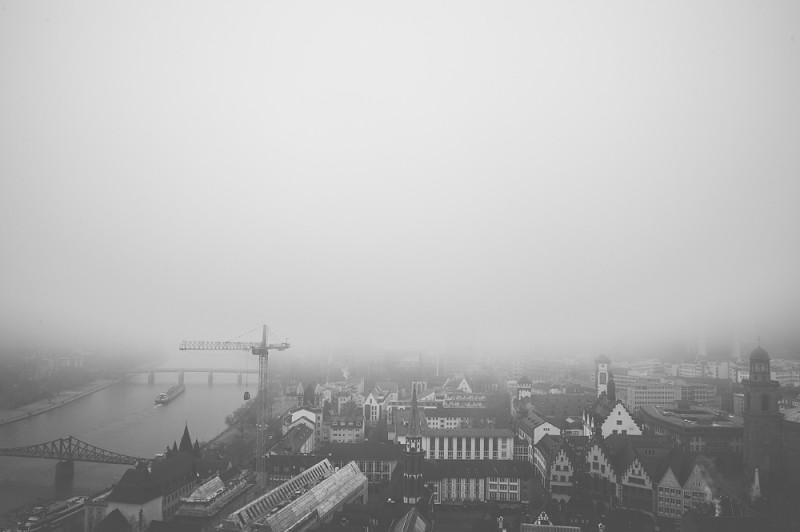 Frankfurt – Nebel – Kunst